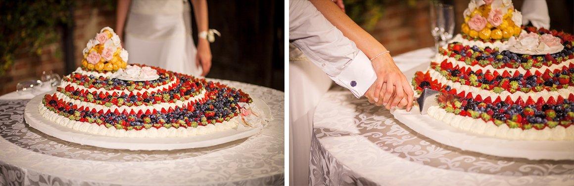 Servizio fotografico di matrimonio. Taglio della torta