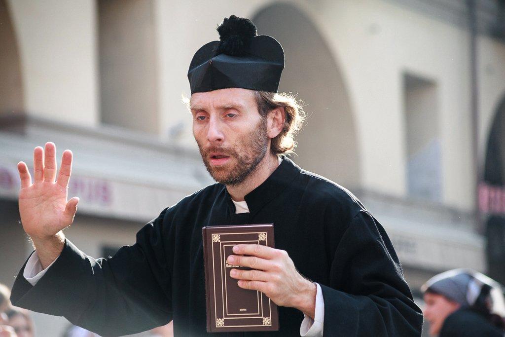 Storie – Festival delle Sagre – Sfilata in costume recitata